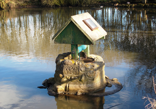 VE-VJ 1995 Speeton Pond Wishing Well